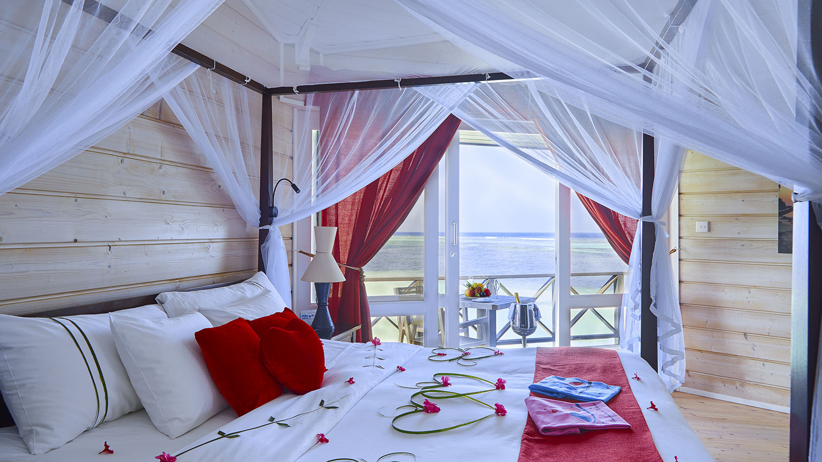 Sangu Water Villa-Honeymoon Suite