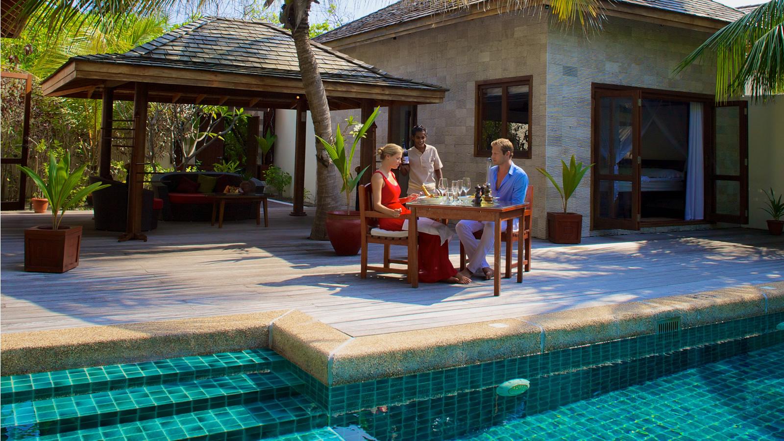 Sulthan pool villa private villa with pool in the maldives for Garden pool villa