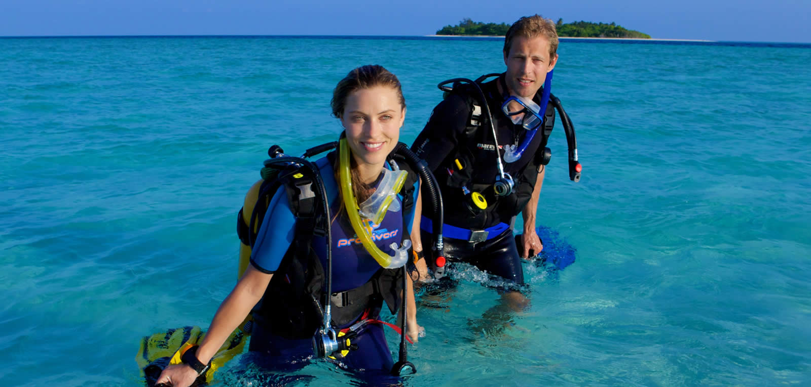 1600x765-kuredu-house-reef-diving