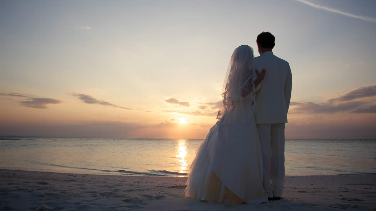 Beautiful Weddings: Beautiful Wedding At Kuredu Island Resort