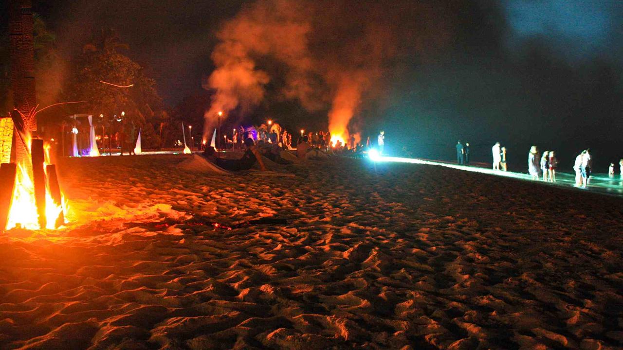 Kuredu Maldives Full Moon Party
