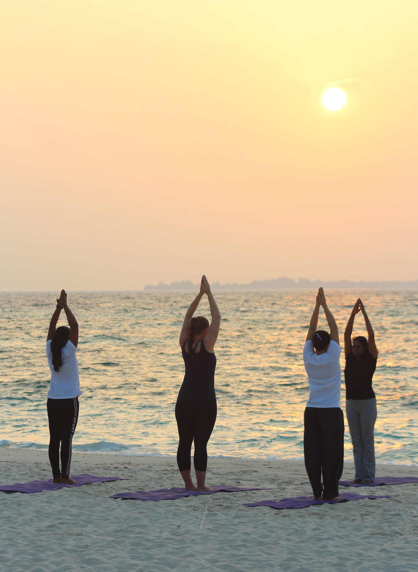 Kuredu Beach Yoga
