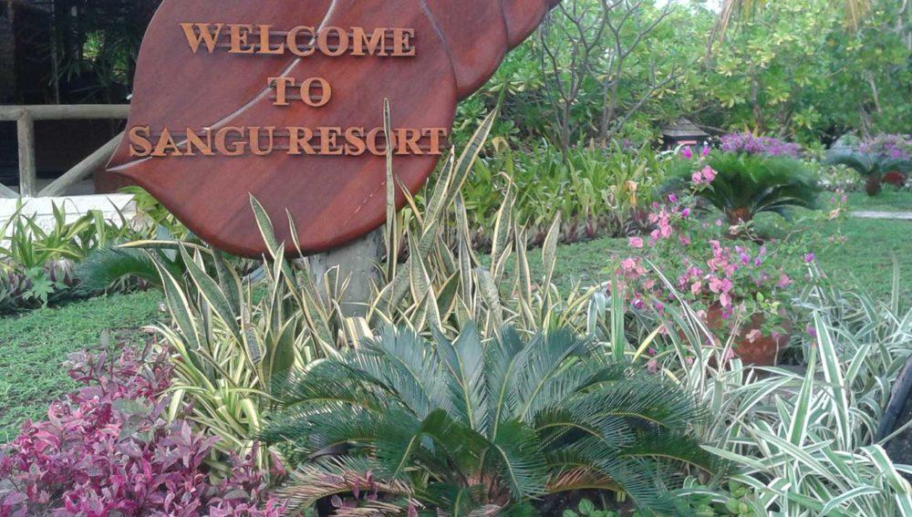 Kuredu resort gardening