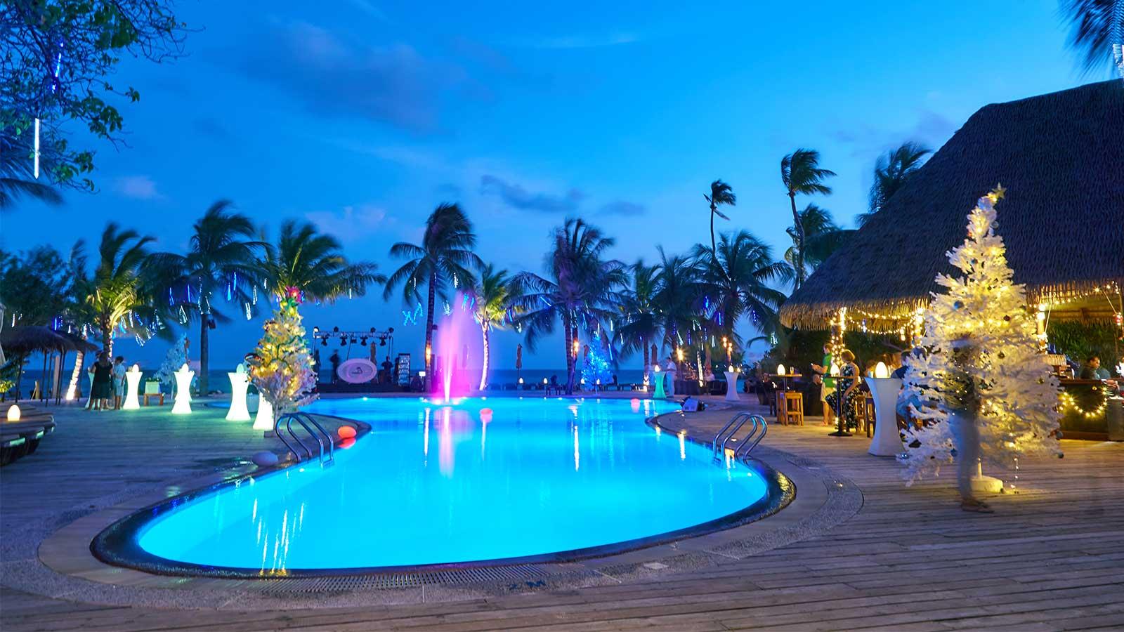 weihnachten im kuredu malediven resort. Black Bedroom Furniture Sets. Home Design Ideas