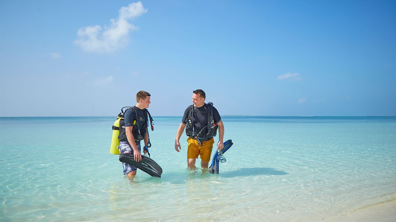 Kuredu Maldives family diving